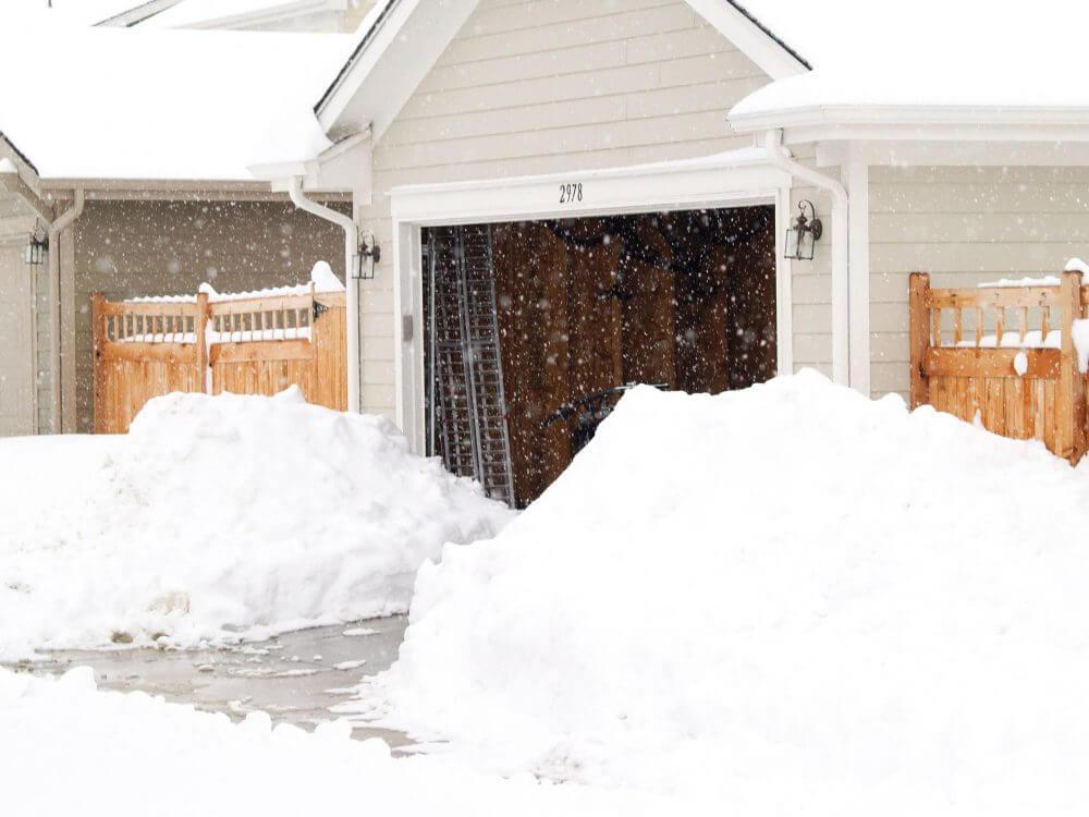 Driveway snow plow